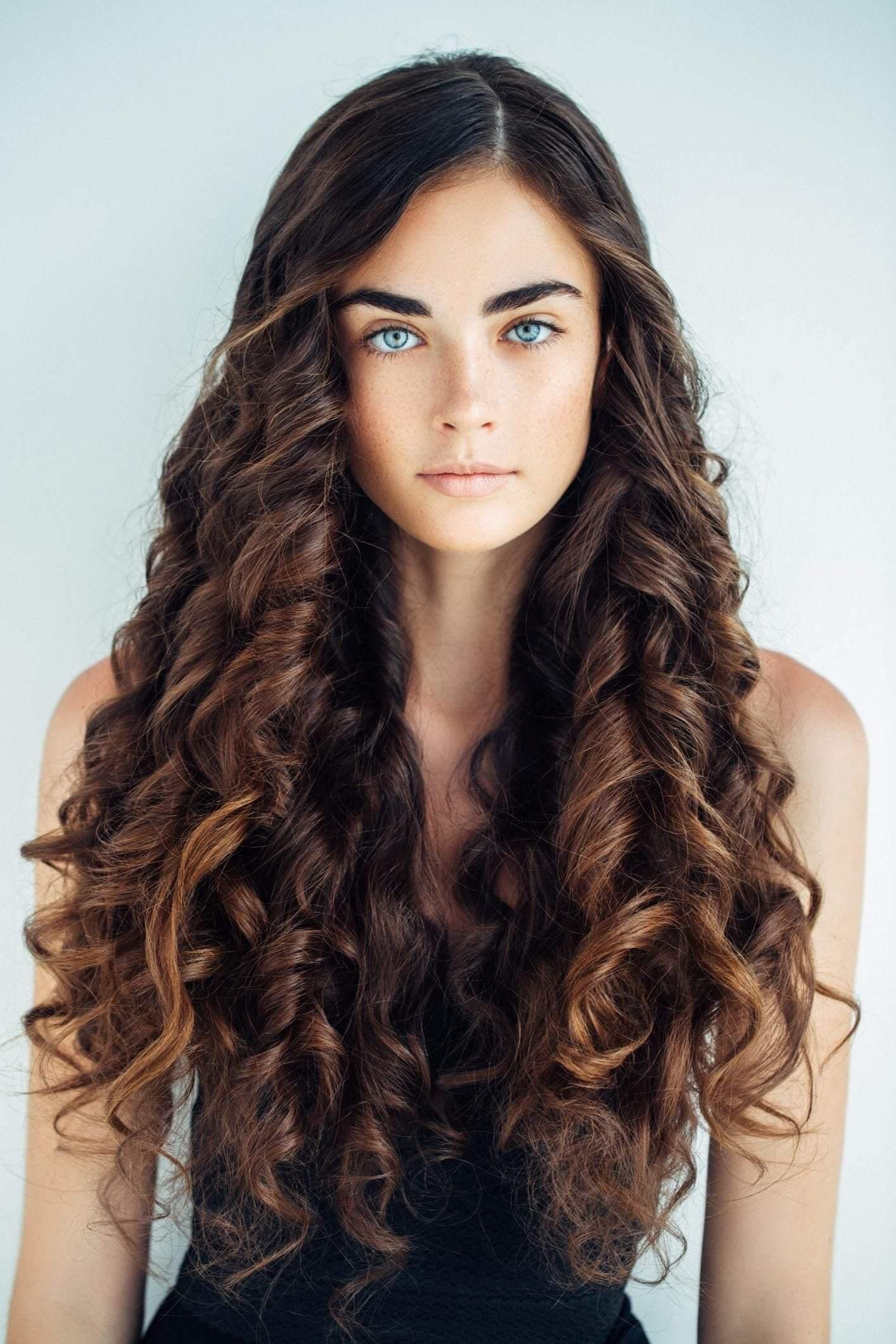 тот другой накрученные волосы длинные фото на всю длину приводит формированию